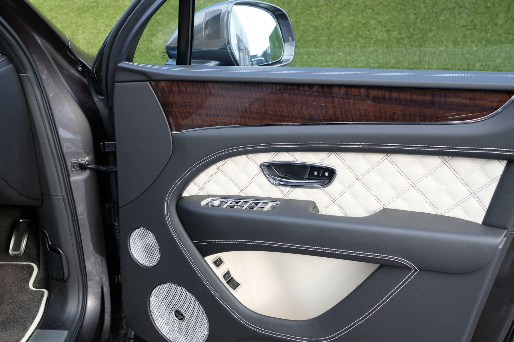 Bentley Bentayga First Edition 4.0 V8  image 16
