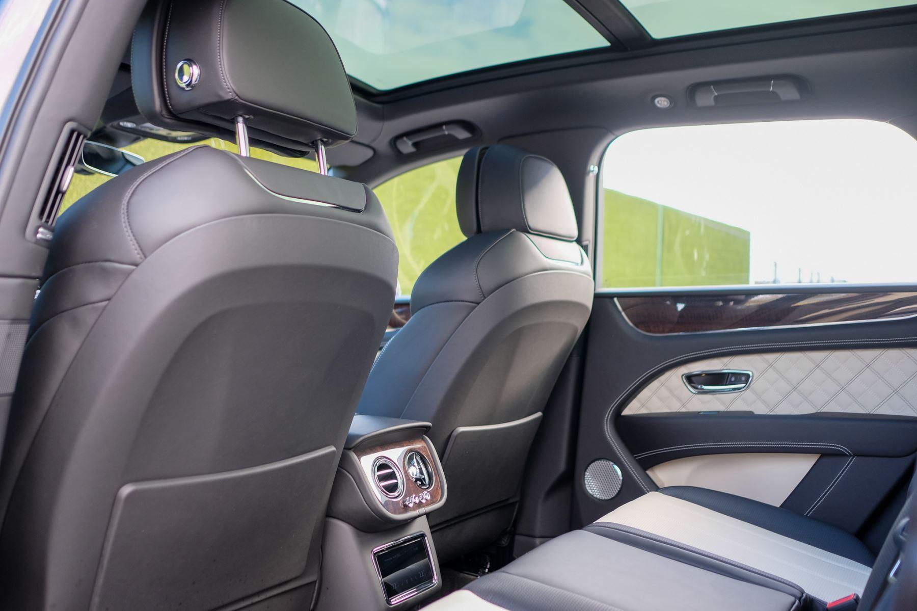 Bentley Bentayga First Edition 4.0 V8  image 14