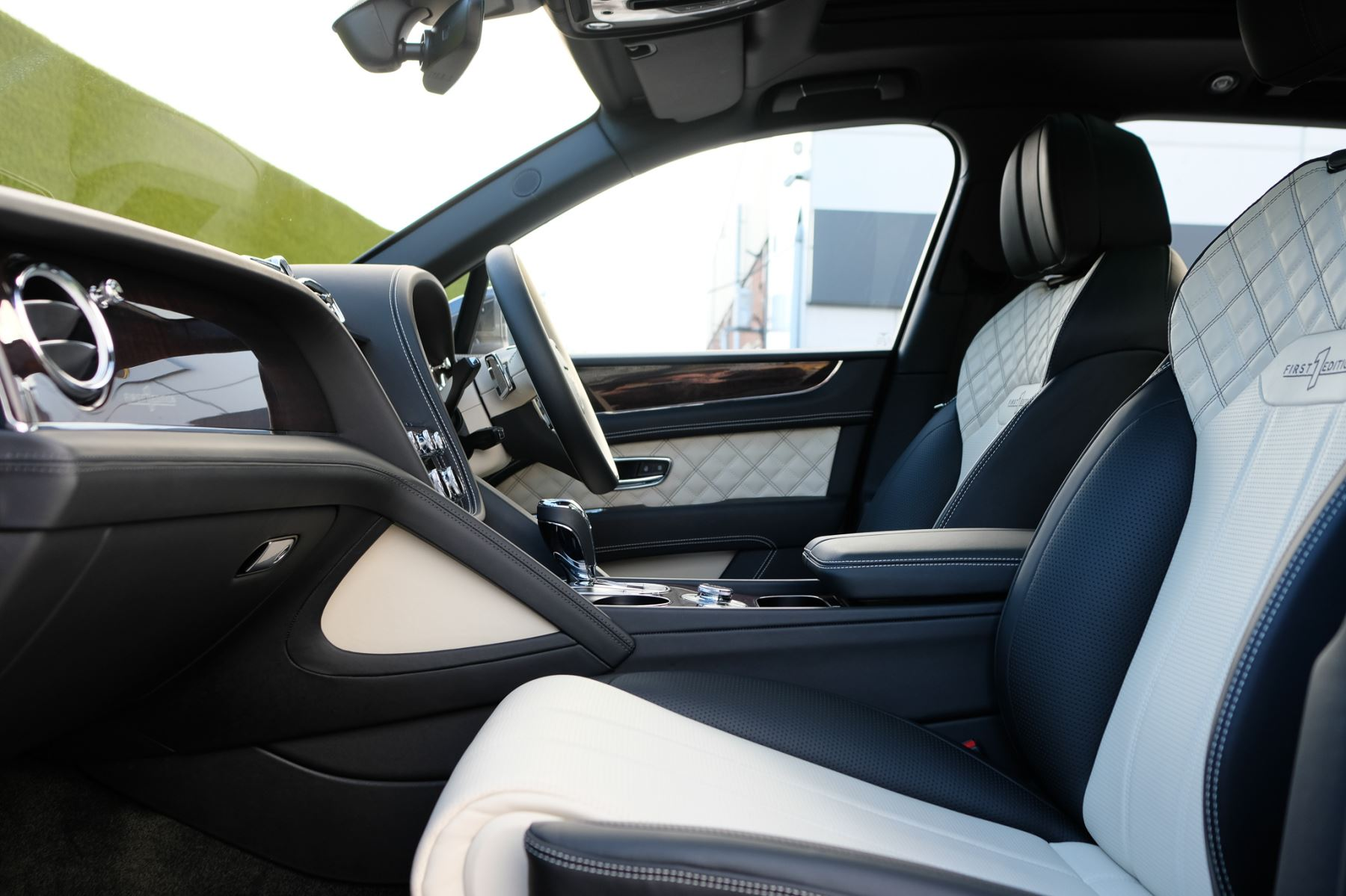 Bentley Bentayga First Edition 4.0 V8  image 17