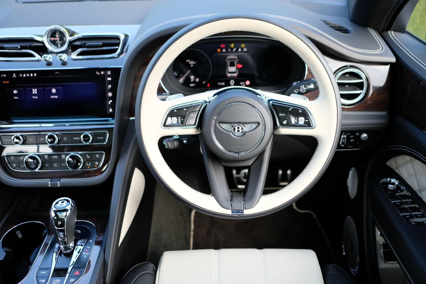 Bentley Bentayga First Edition 4.0 V8  image 15