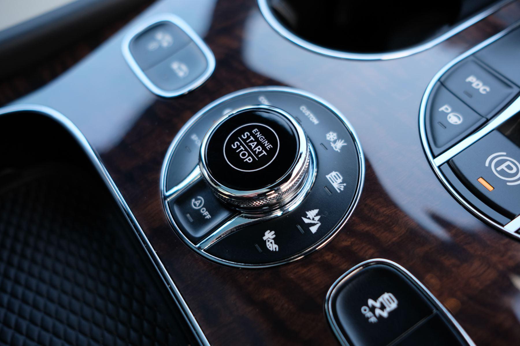 Bentley Bentayga First Edition 4.0 V8  image 23