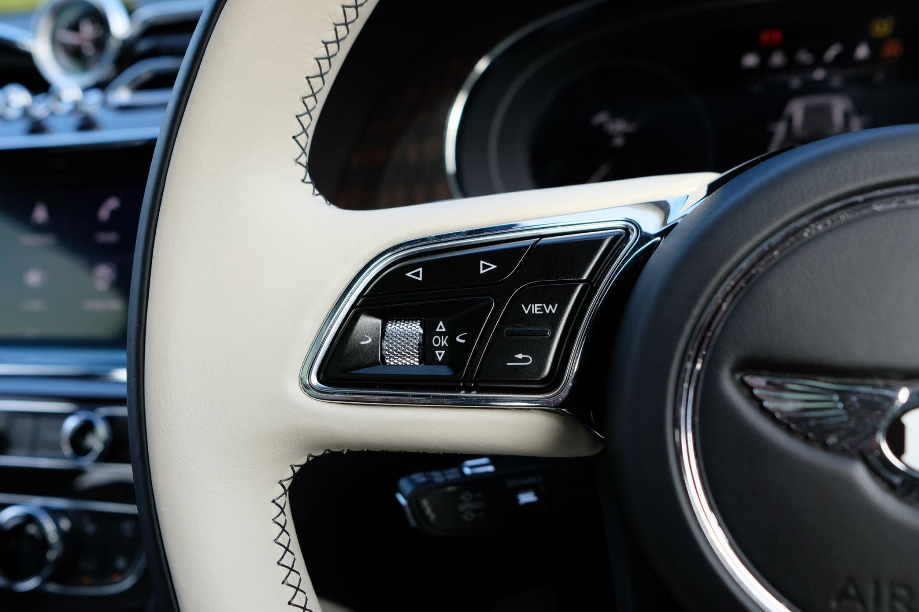 Bentley Bentayga First Edition 4.0 V8  image 24