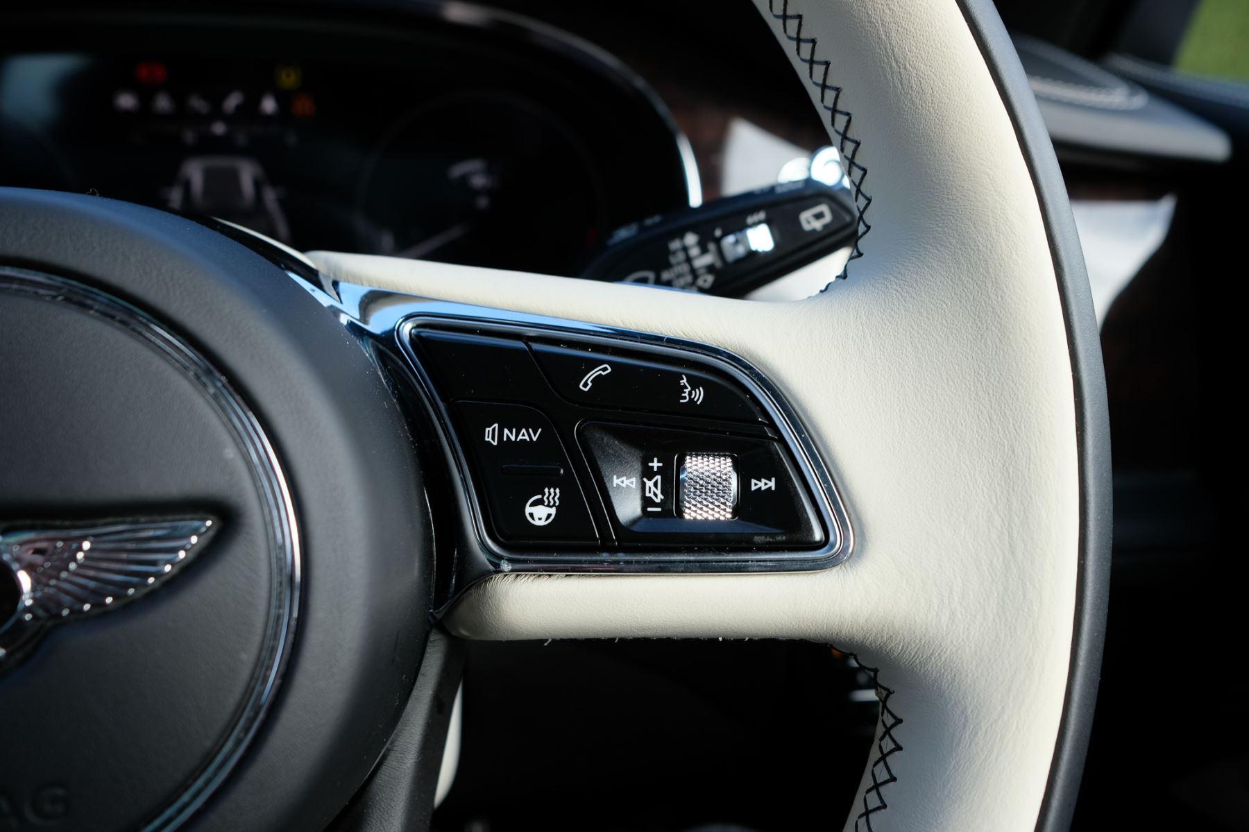 Bentley Bentayga First Edition 4.0 V8  image 25