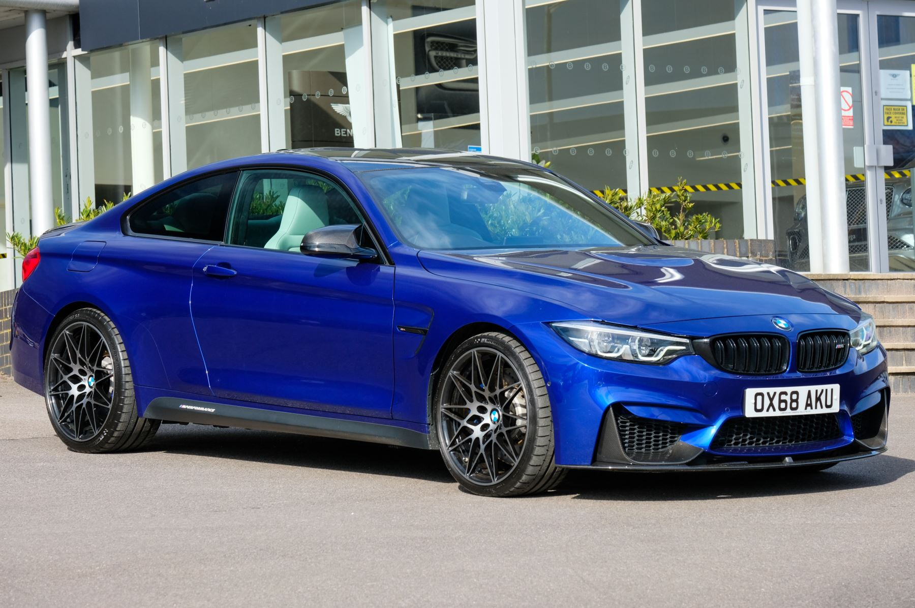 BMW M4 DCT [Competition Pack / Ultimate Pack ] 3.0 Automatic 2 door Coupe (2019)