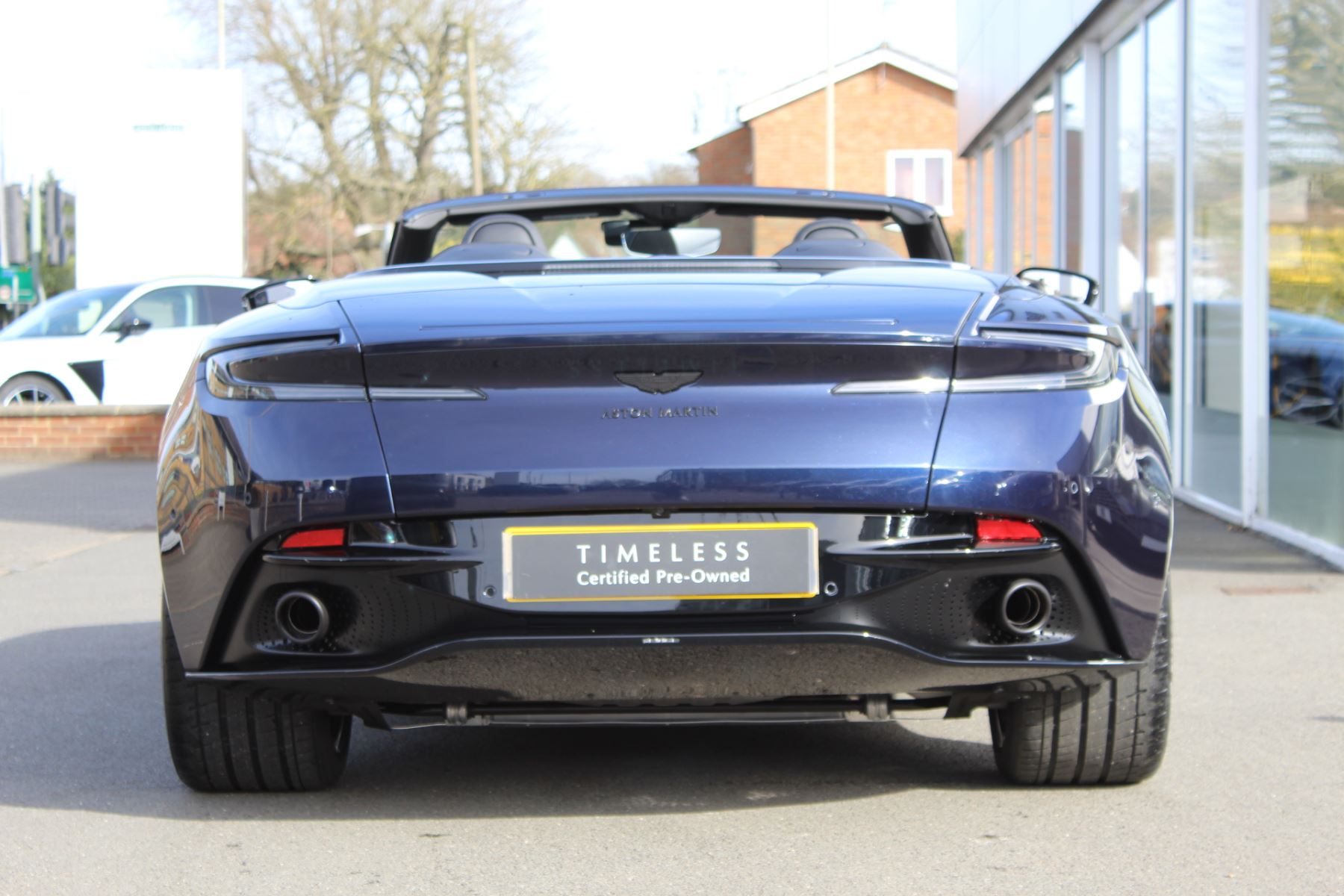 Aston Martin DB11 Volante V8 Volante 2dr Touchtronic image 5