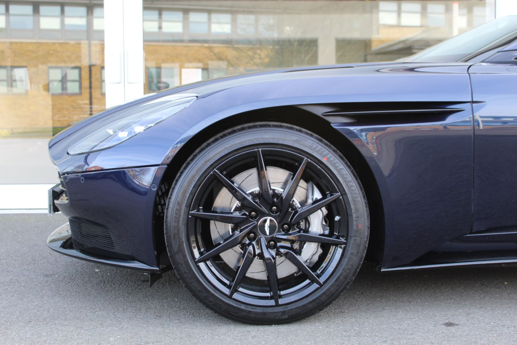 Aston Martin DB11 Volante V8 Volante 2dr Touchtronic image 15