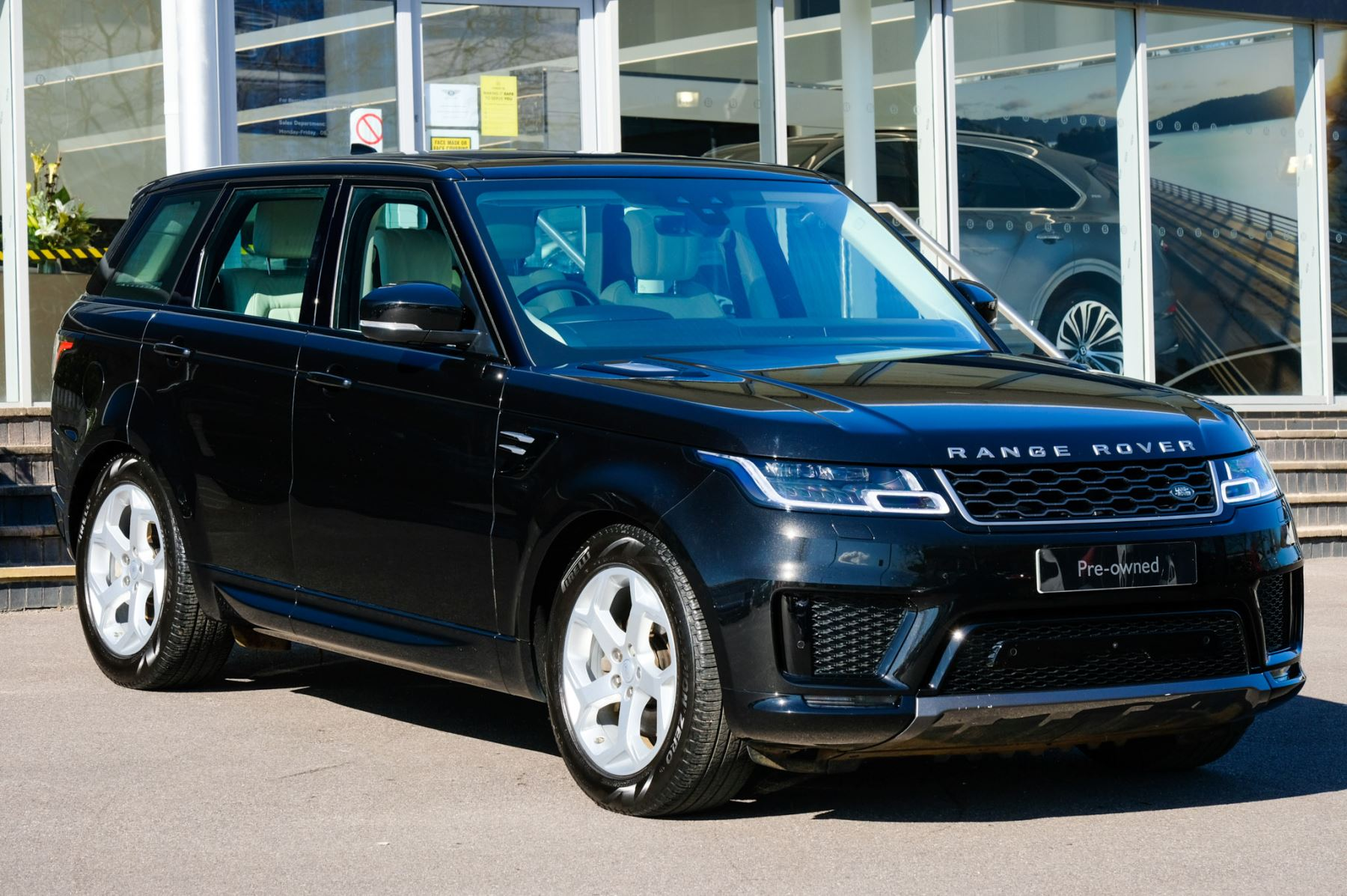 Land Rover Range Rover Sport 3.0 SDV6 HSE 5dr - Sliding panoramic roof & Refrigerator compartment Diesel Automatic Estate
