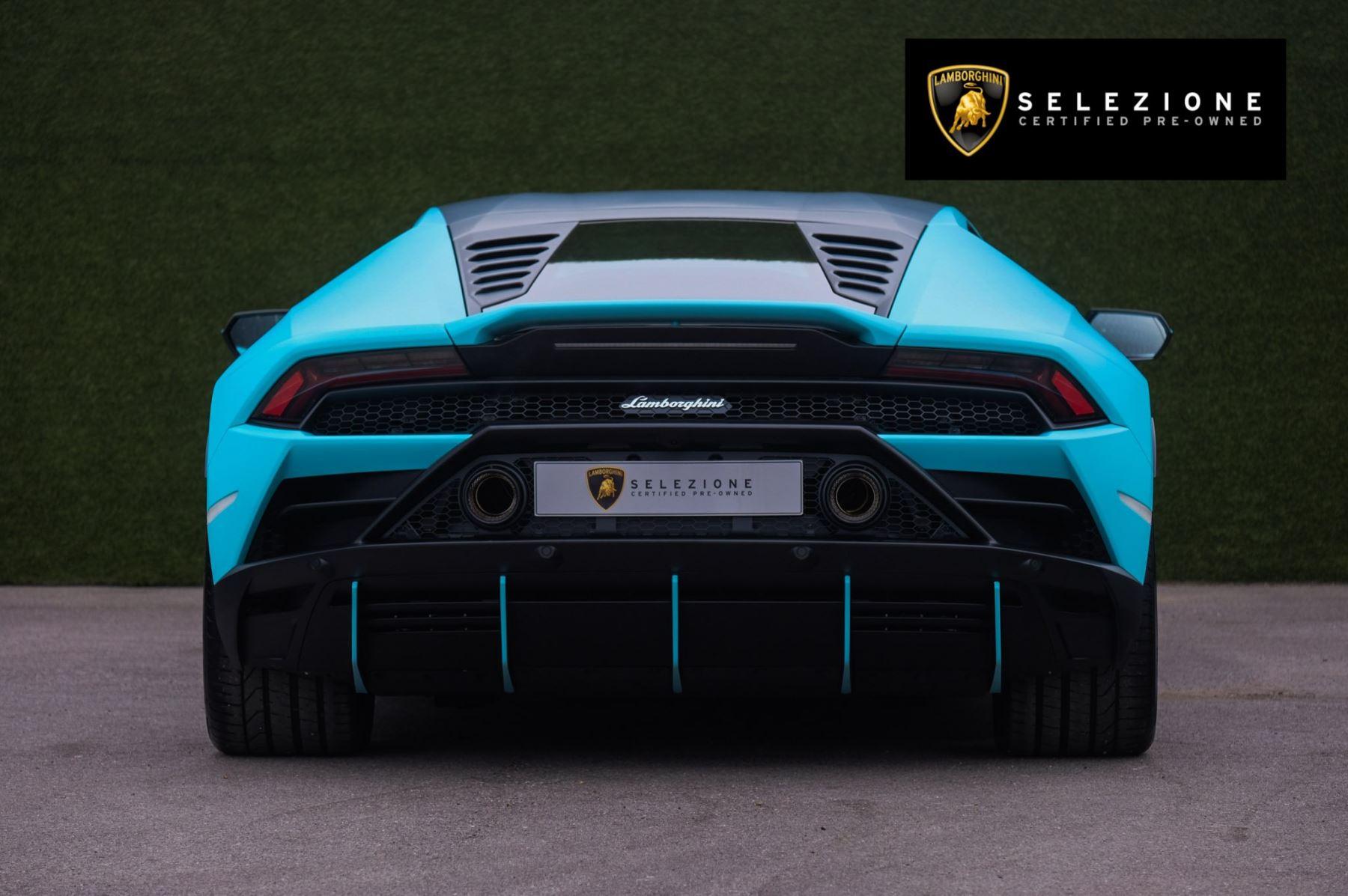 Lamborghini Huracan EVO Coupe image 4