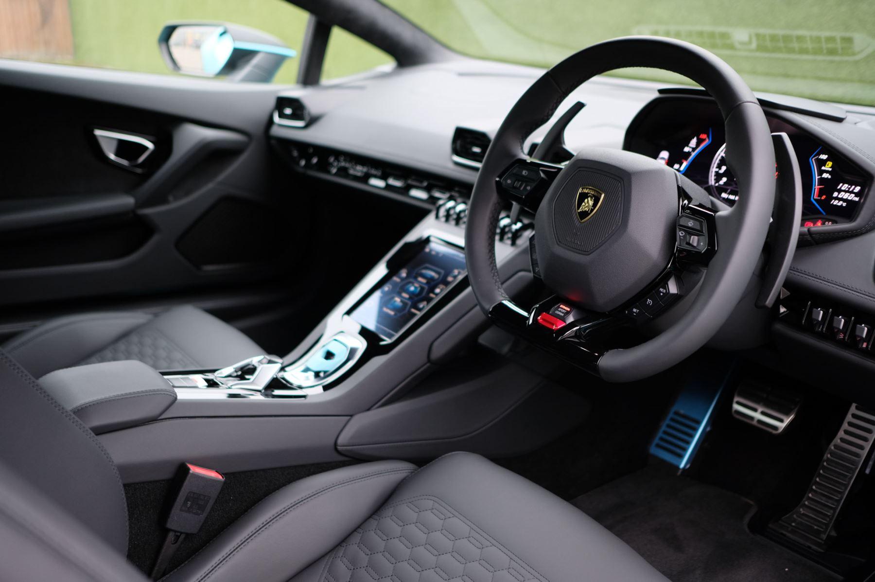 Lamborghini Huracan EVO Coupe image 13