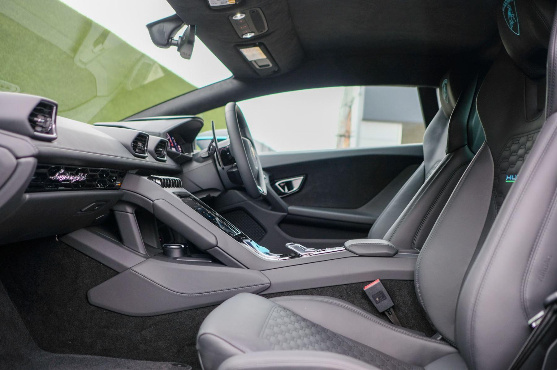 Lamborghini Huracan EVO Coupe image 6