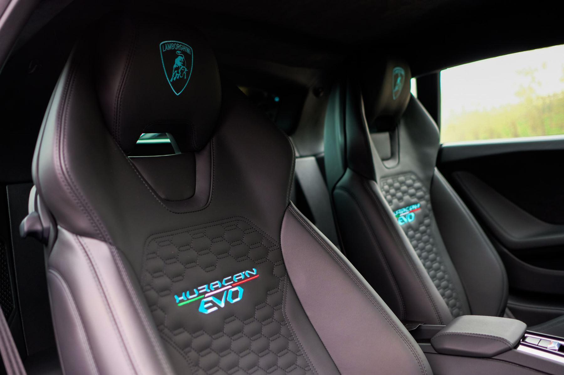 Lamborghini Huracan EVO Coupe image 15