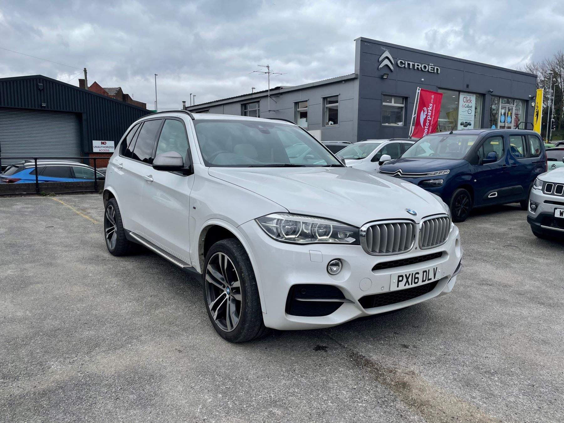 BMW X5 xDrive M50d 5dr 3.0 Diesel Automatic Estate (2016) image