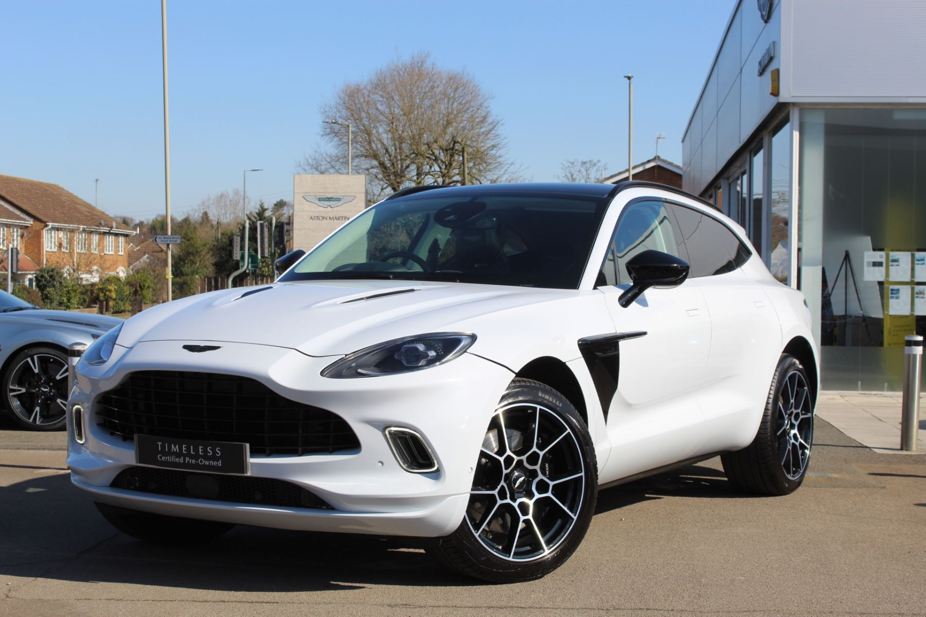 Aston Martin DBX V8 550 Touchtronic 4.0 Automatic 5 door Estate (2021) image