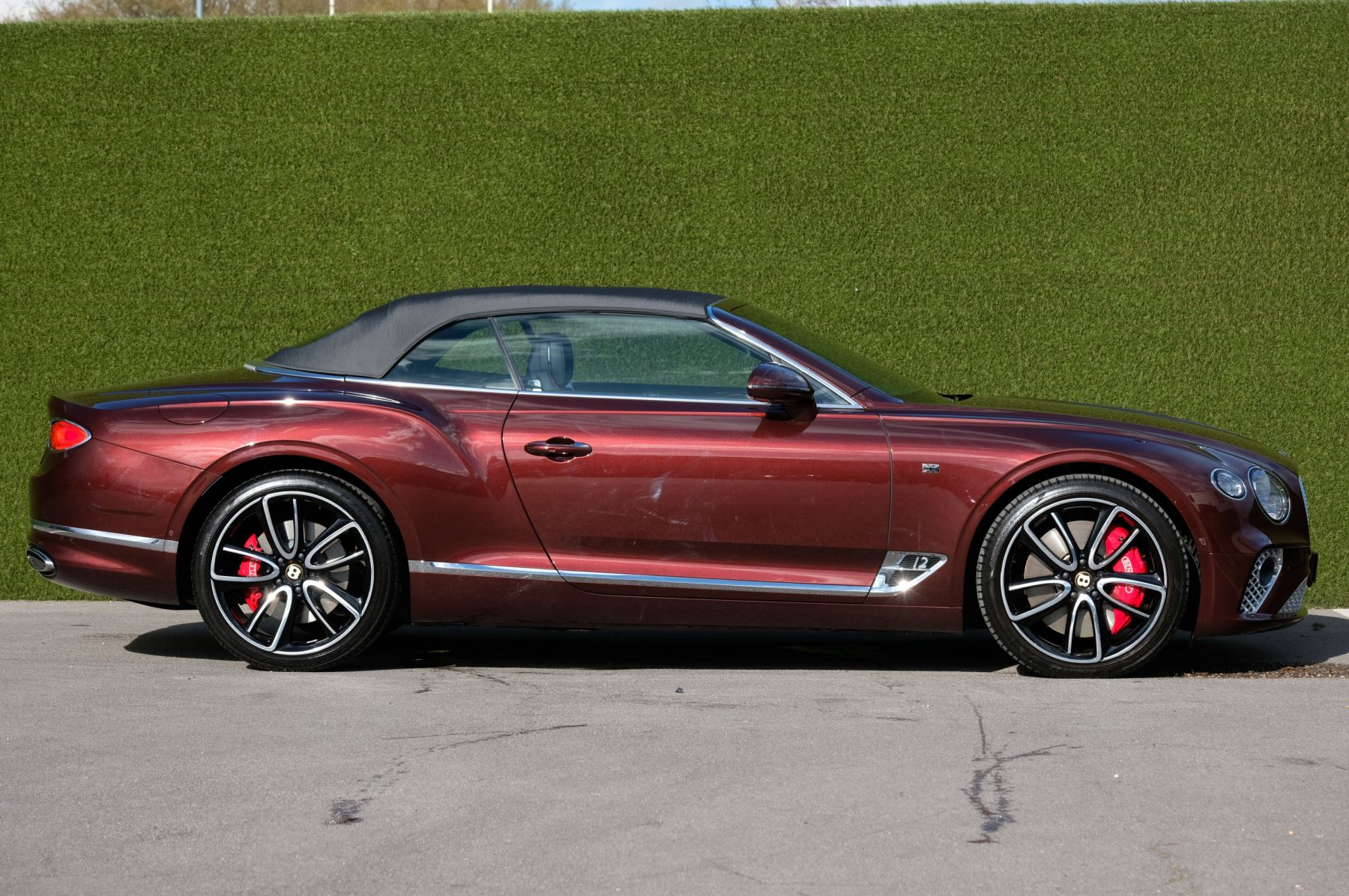 Bentley Continental GTC 6.0 W12 - First Edition Specification image 3