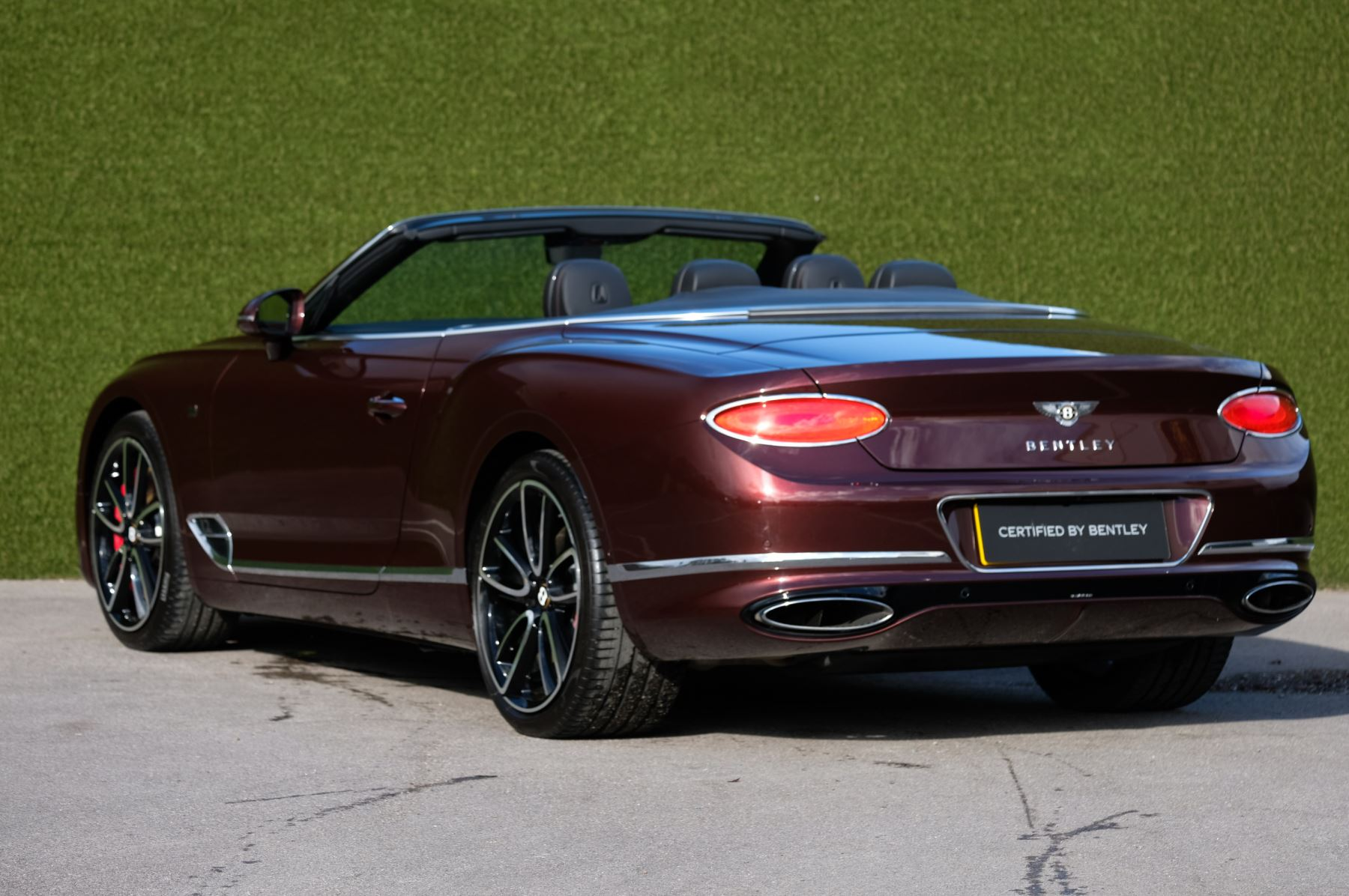 Bentley Continental GTC 6.0 W12 - First Edition Specification image 5
