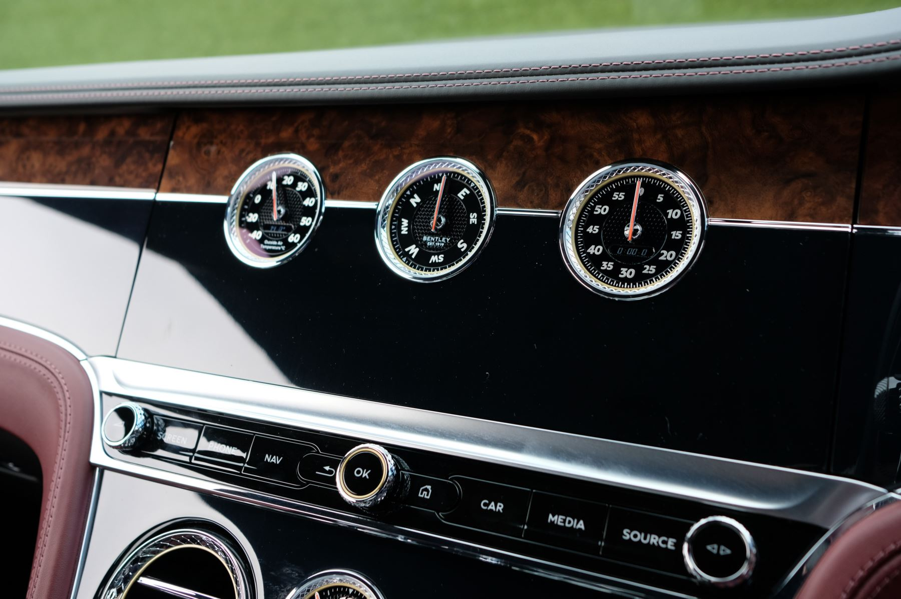 Bentley Continental GTC 6.0 W12 - First Edition Specification image 27