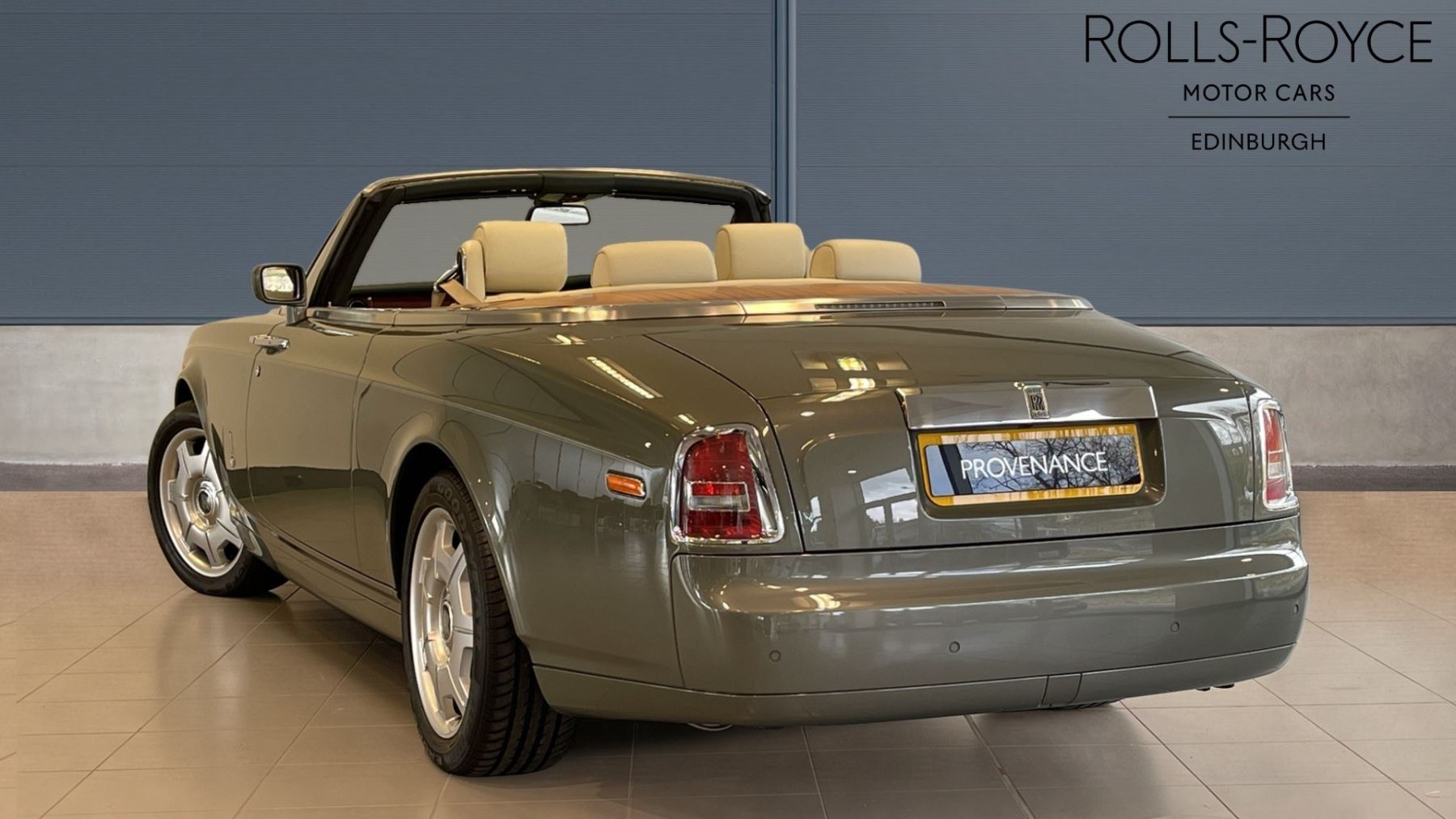 Rolls-Royce Phantom Drophead Coupe 2dr Auto image 3