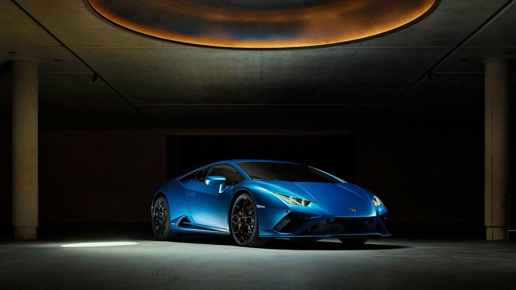 Lamborghini Huracan EVO RWD - Rewind to rear-wheel drive