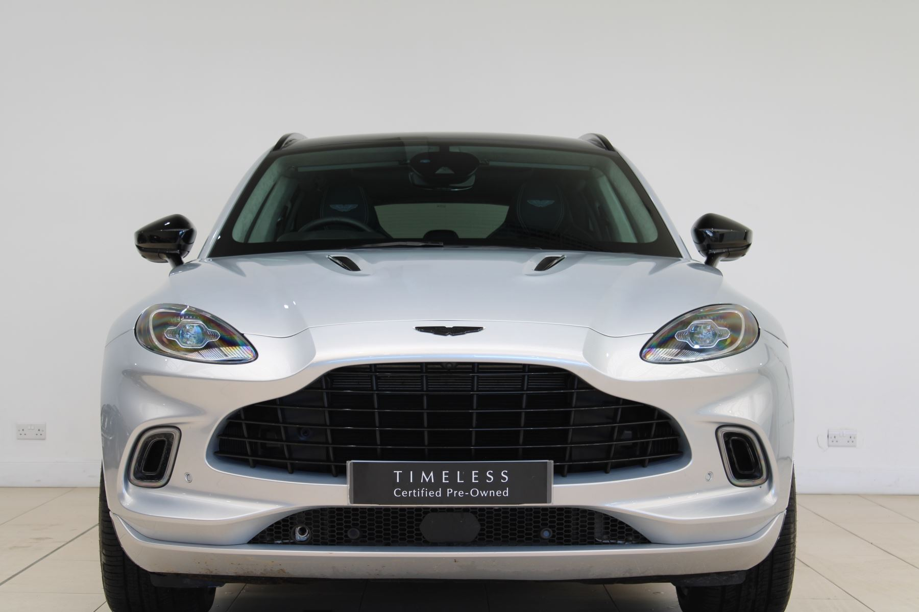 Aston Martin DBX V8 550 Touchtronic image 2