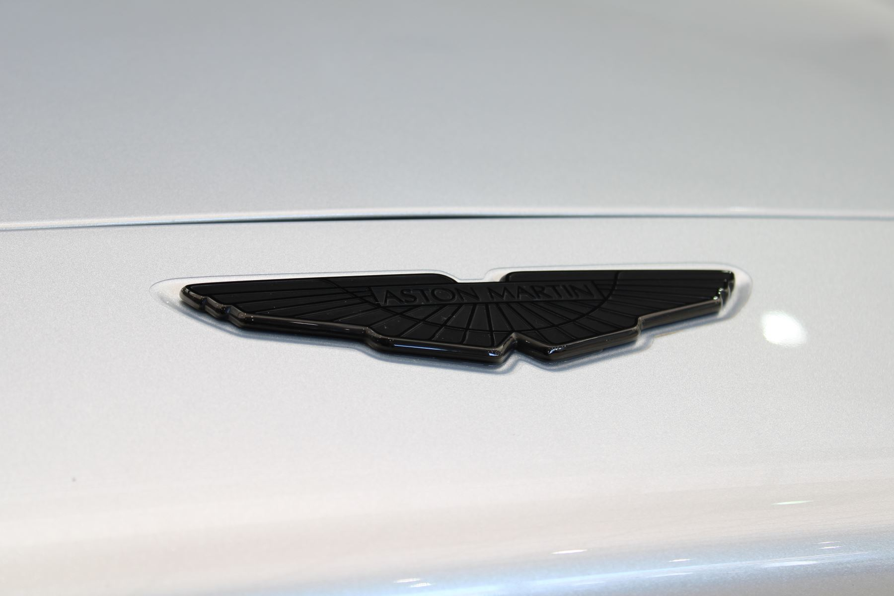 Aston Martin DBX V8 550 Touchtronic image 8