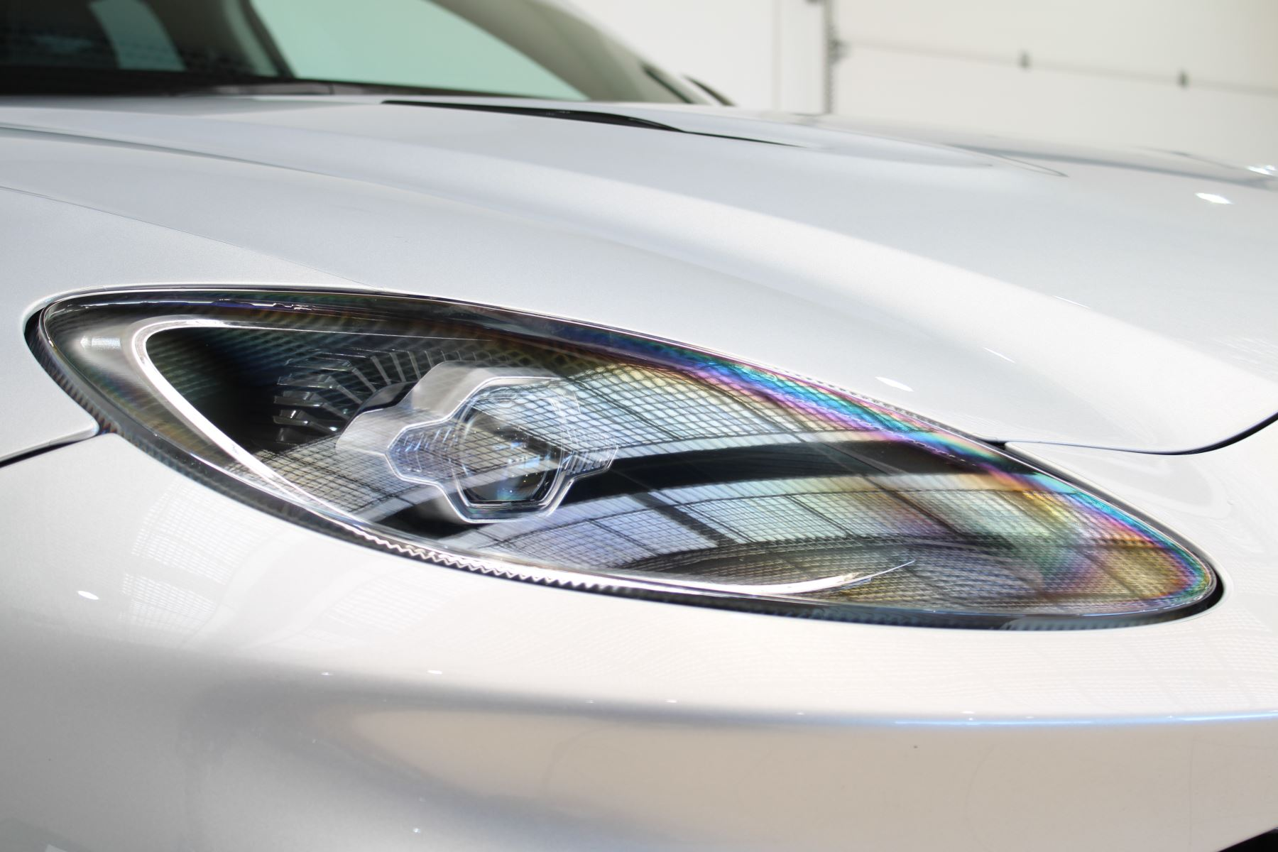 Aston Martin DBX V8 550 Touchtronic image 13