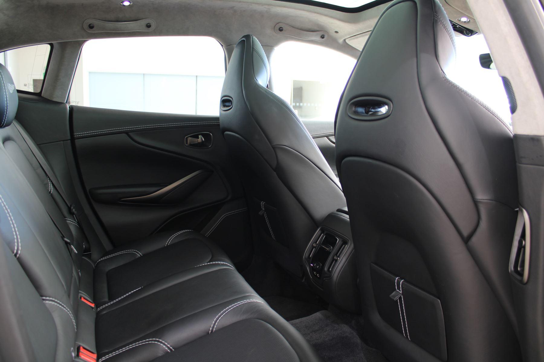 Aston Martin DBX V8 550 Touchtronic image 8