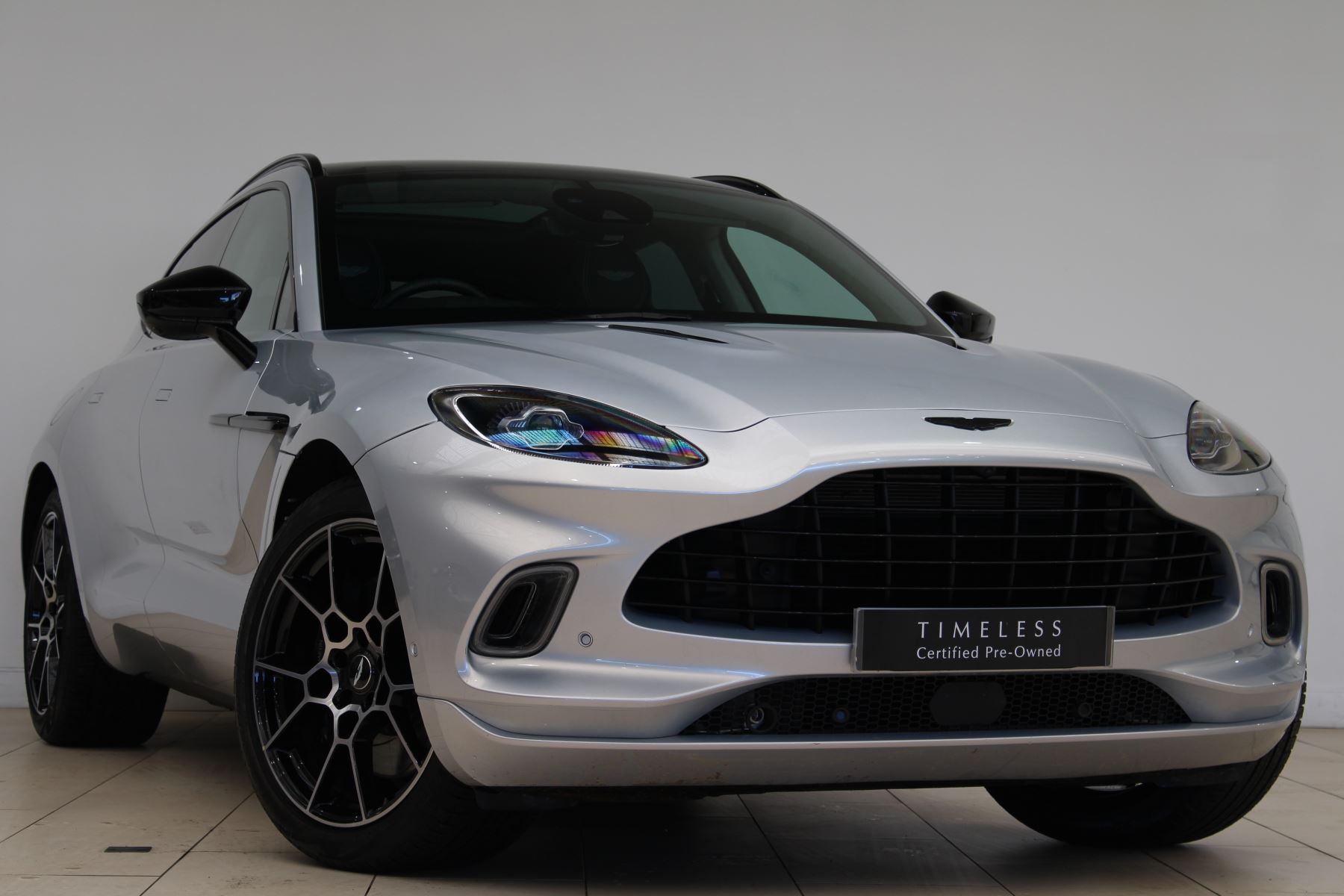 Aston Martin DBX V8 550 Touchtronic image 1