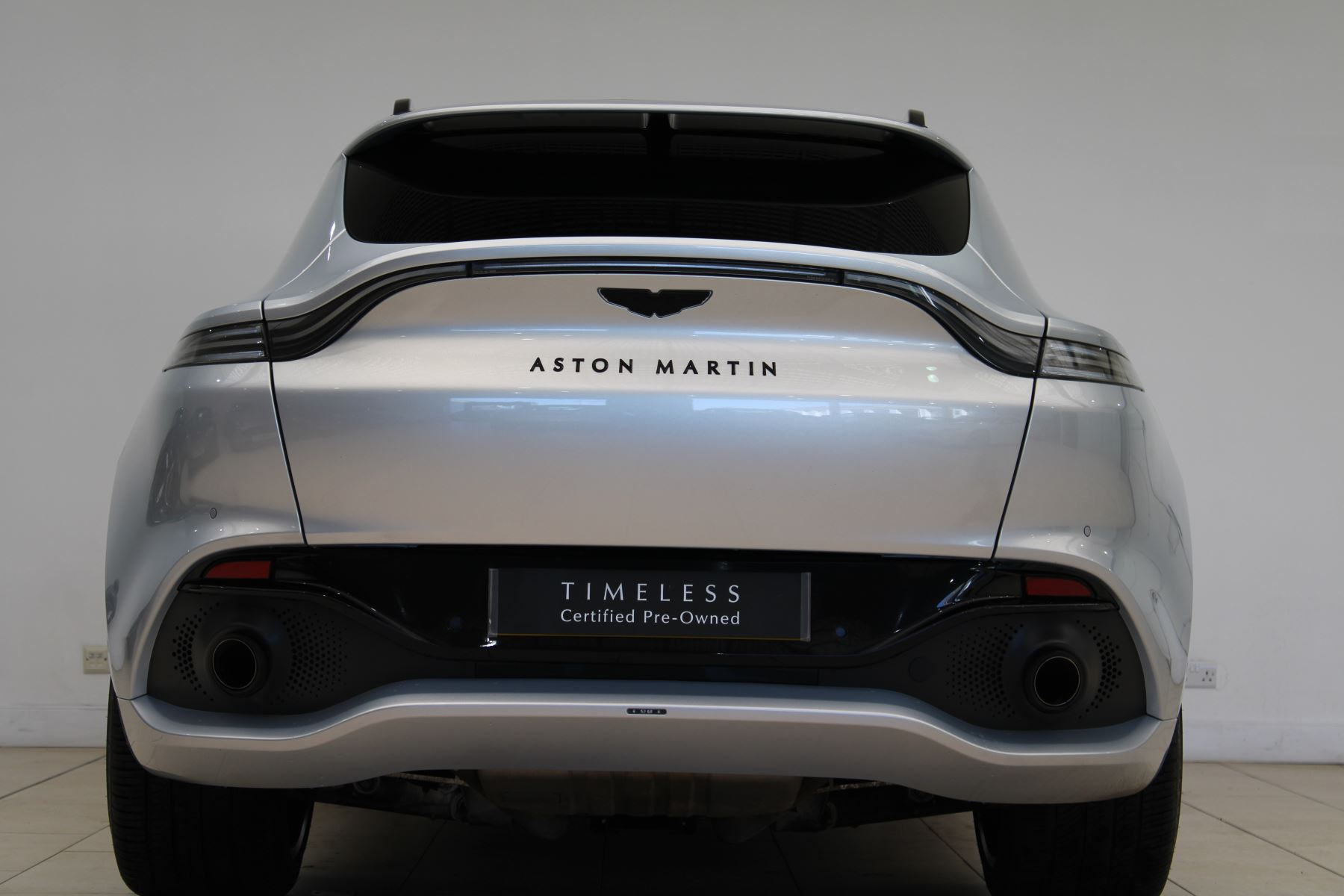Aston Martin DBX V8 550 Touchtronic image 23
