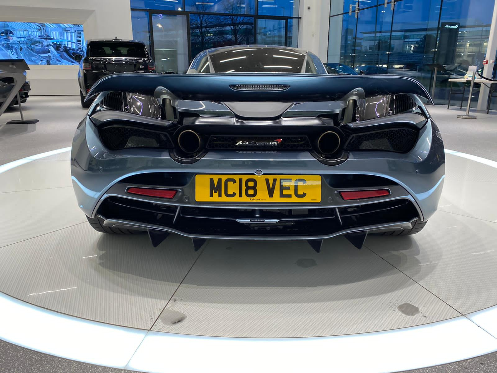McLaren 720S V8 2dr SSG LUXURY image 8