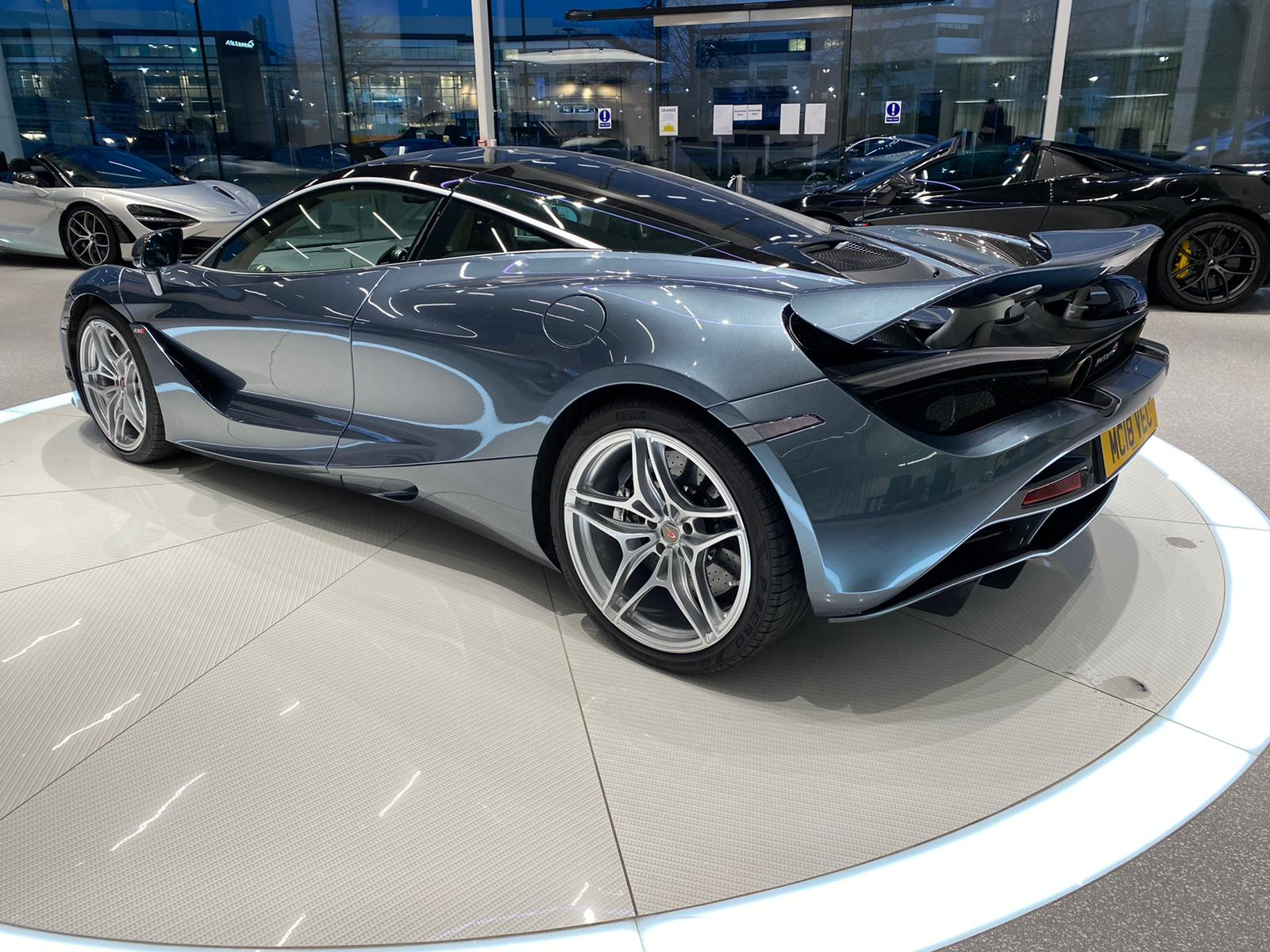 McLaren 720S V8 2dr SSG LUXURY image 12