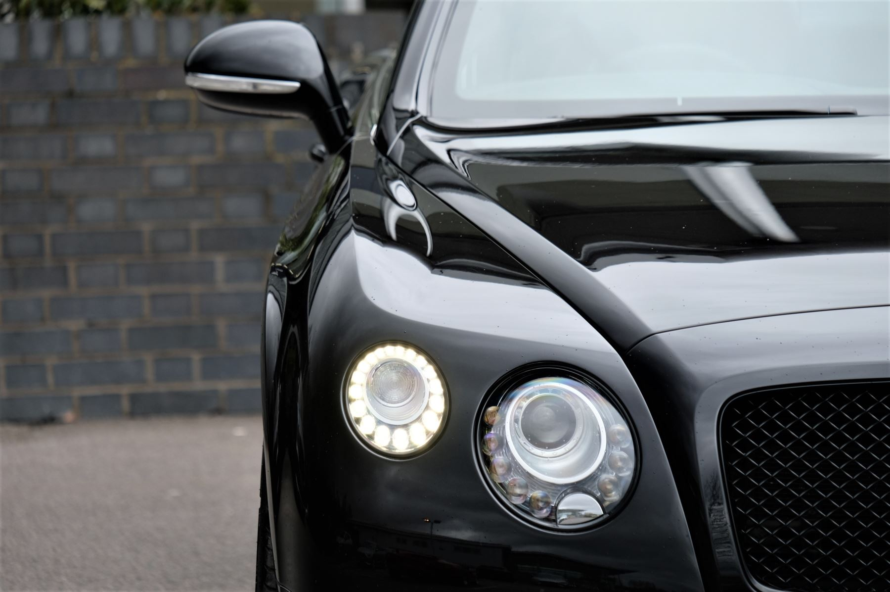 Bentley Continental GT V8 S Convertible Black Edition 4.0 V8 S 2dr - Concours Series  image 6
