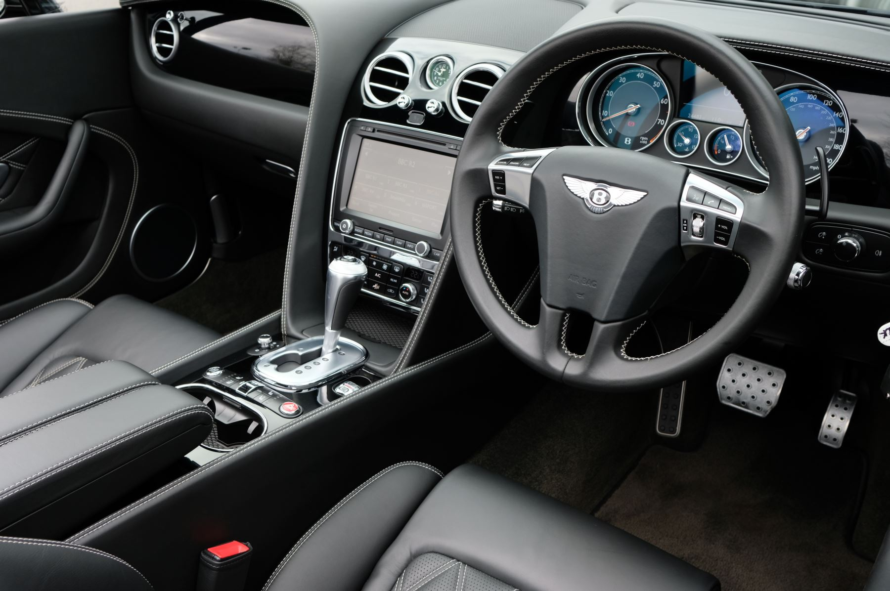 Bentley Continental GT V8 S Convertible Black Edition 4.0 V8 S 2dr - Concours Series  image 10