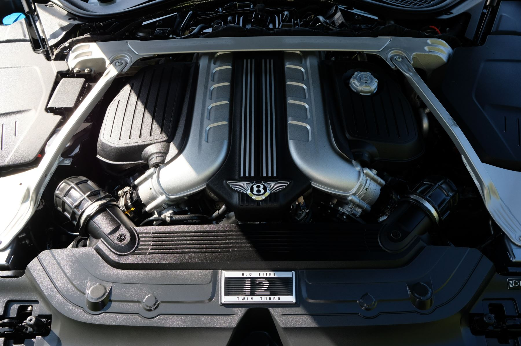 Bentley Continental GTC 6.0 W12 2dr image 17