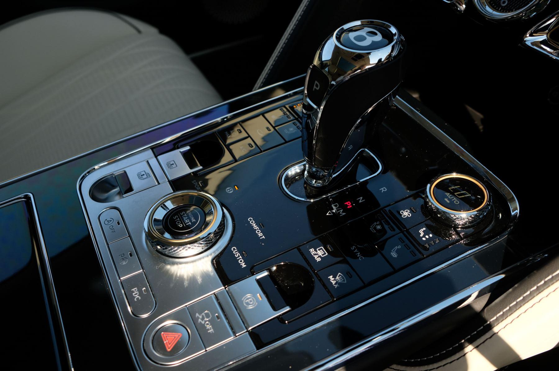 Bentley Flying Spur 6.0 W12 4dr image 30