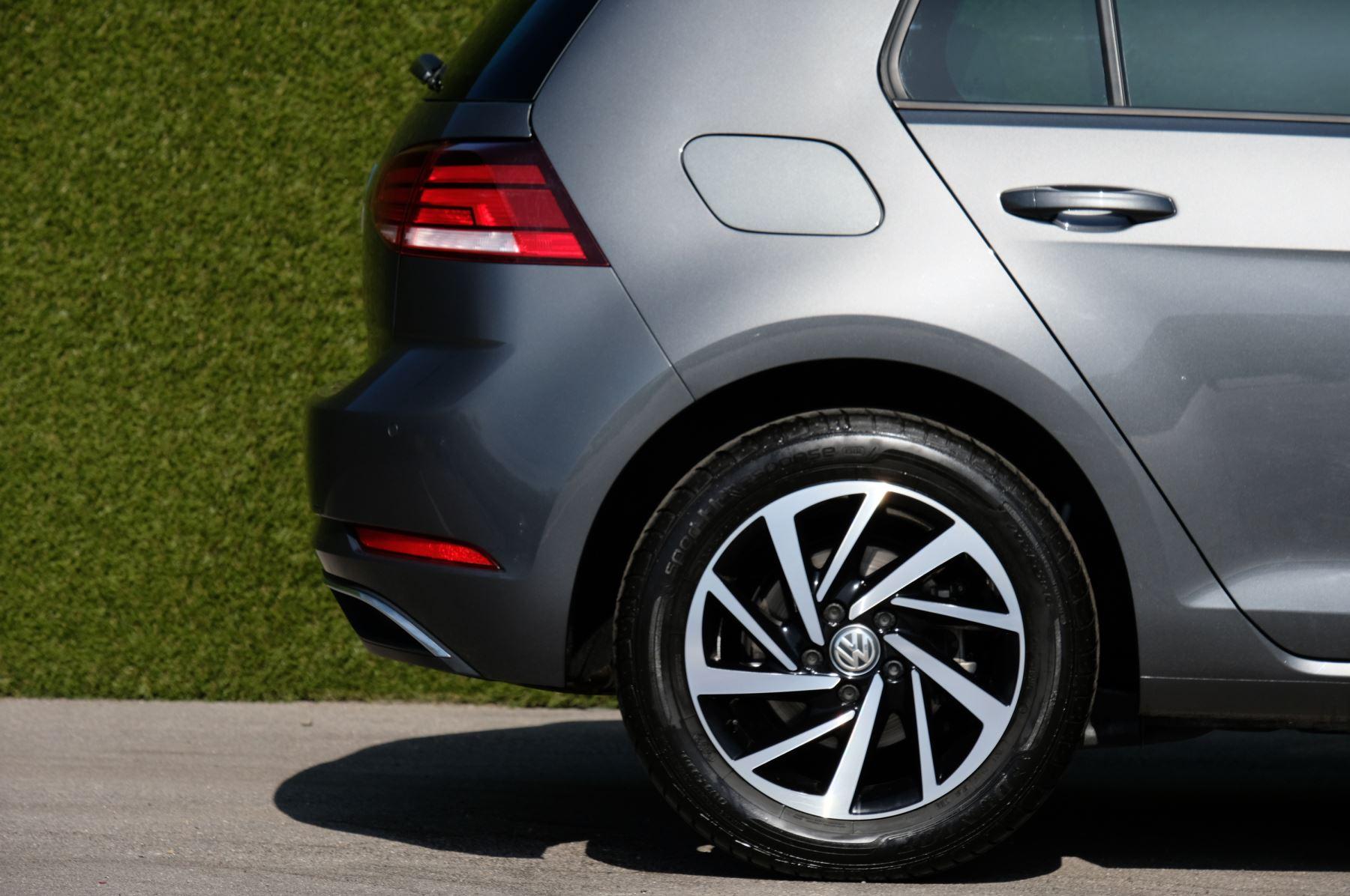 Volkswagen Golf 1.5 TSI EVO 150hp Match 5 Door DSG Auto with A/Con, Sat Nav, Alloys & Adaptive Cruise  image 9