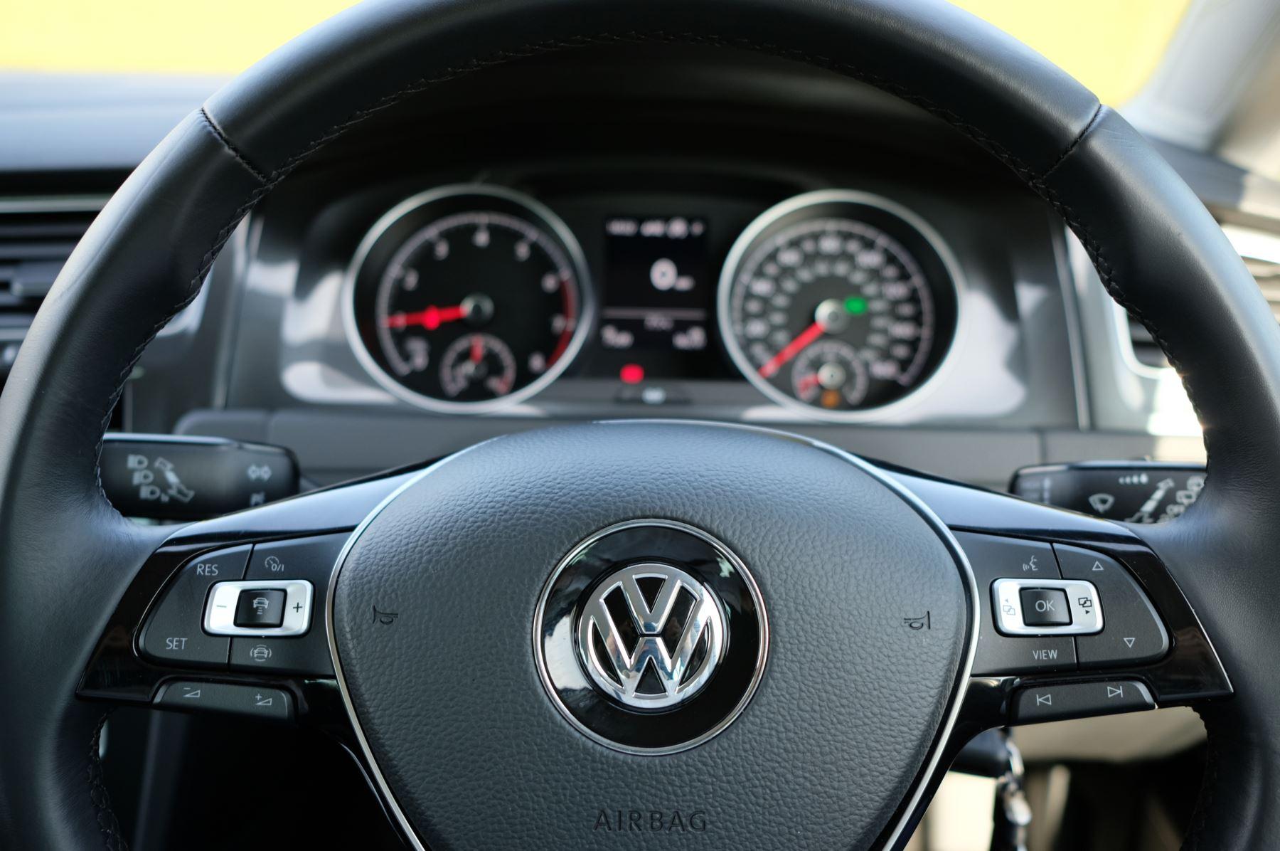 Volkswagen Golf 1.5 TSI EVO 150hp Match 5 Door DSG Auto with A/Con, Sat Nav, Alloys & Adaptive Cruise  image 16
