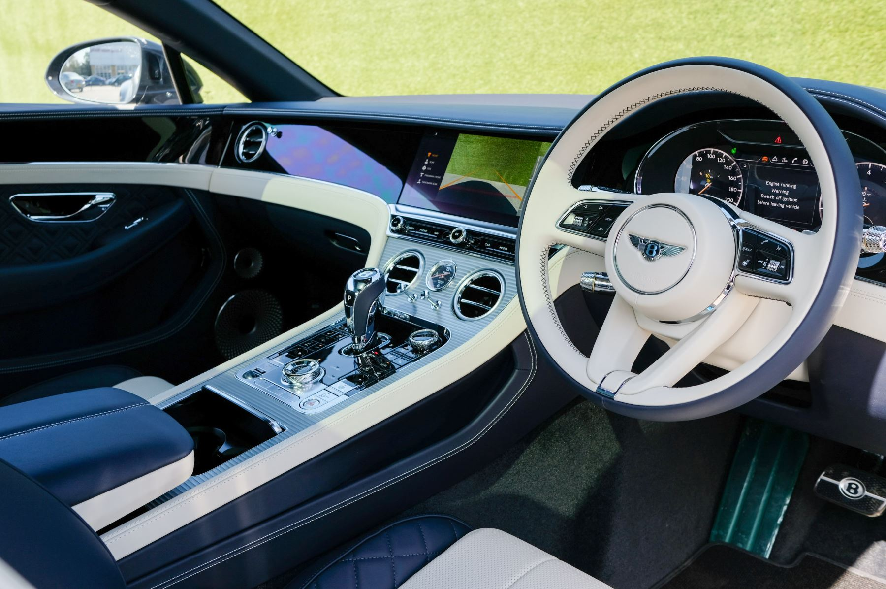 Bentley Continental GT 4.0 V8 Mulliner Edition 2dr Auto - City Specification - Panoramic Glass Roof image 12