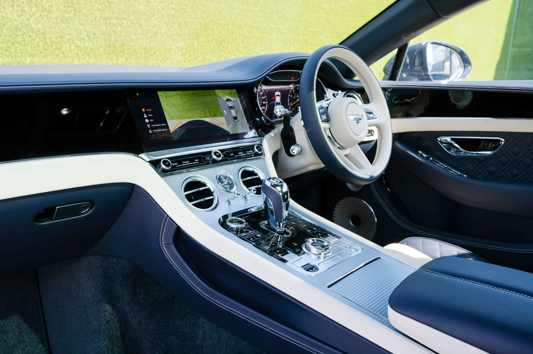 Bentley Continental GT 4.0 V8 Mulliner Edition 2dr Auto - City Specification - Panoramic Glass Roof image 11