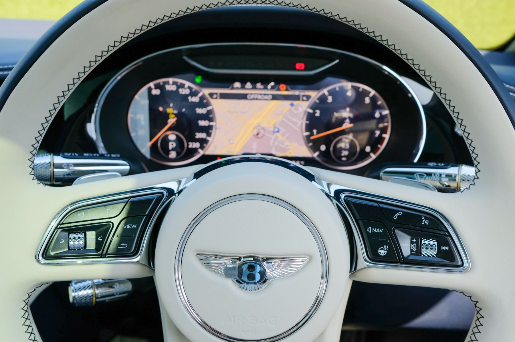 Bentley Continental GT 4.0 V8 Mulliner Edition 2dr Auto - City Specification - Panoramic Glass Roof image 15