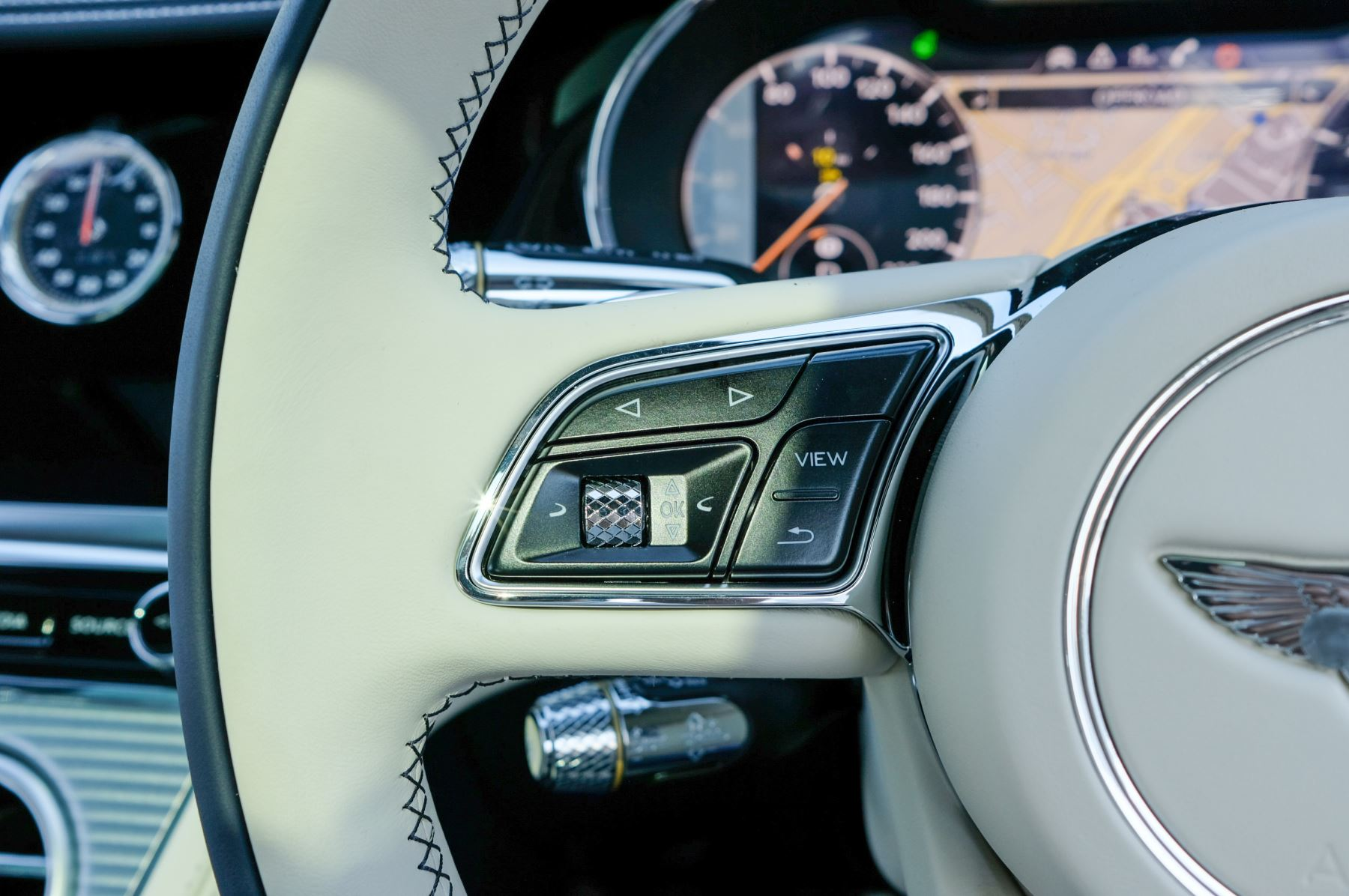 Bentley Continental GT 4.0 V8 Mulliner Edition 2dr Auto - City Specification - Panoramic Glass Roof image 23