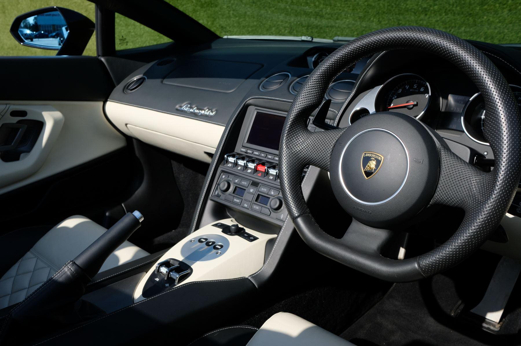 Lamborghini Gallardo LP 560-4 Spyder image 13