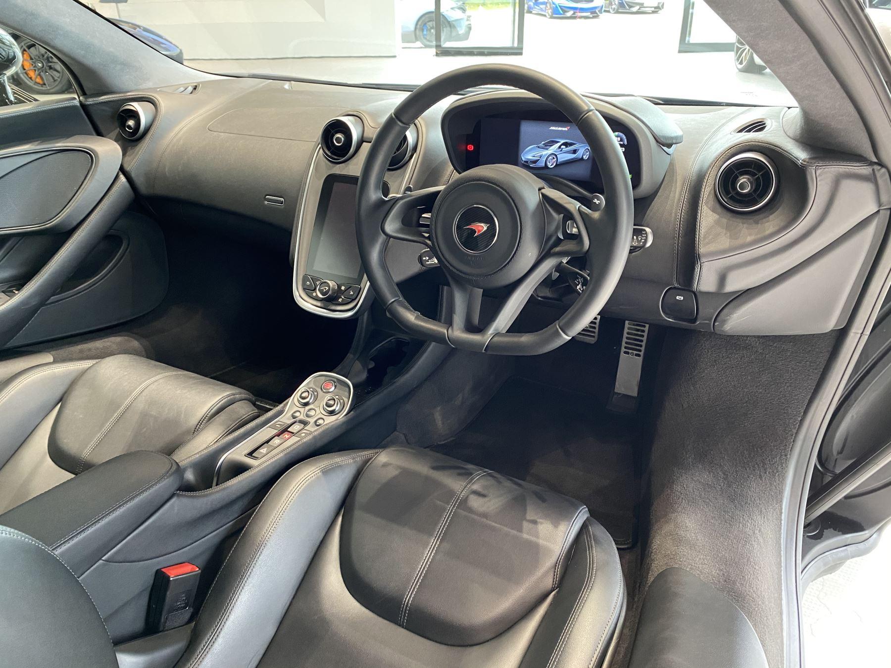 McLaren 540C V8 2dr SSG image 8