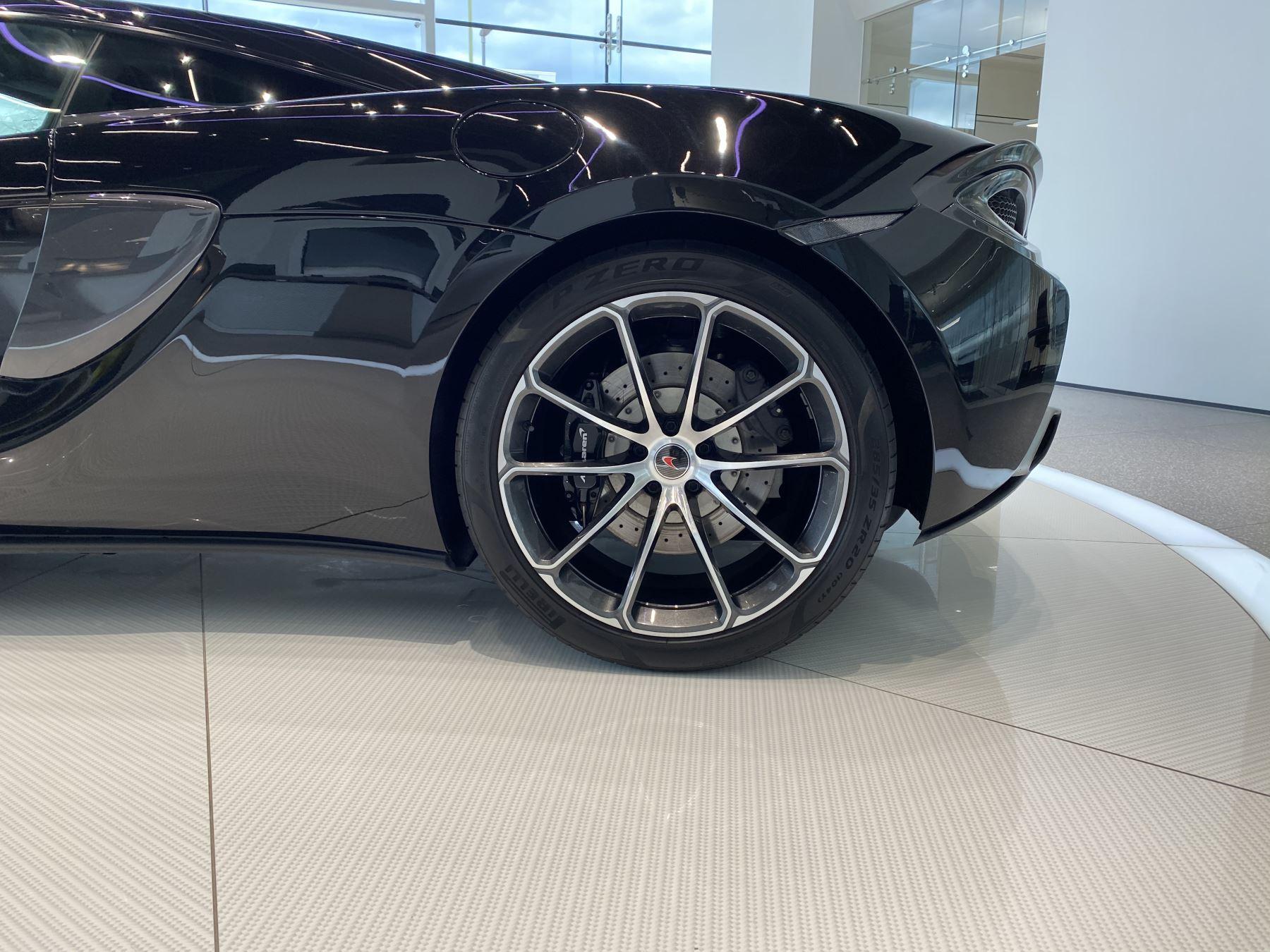 McLaren 540C V8 2dr SSG image 23