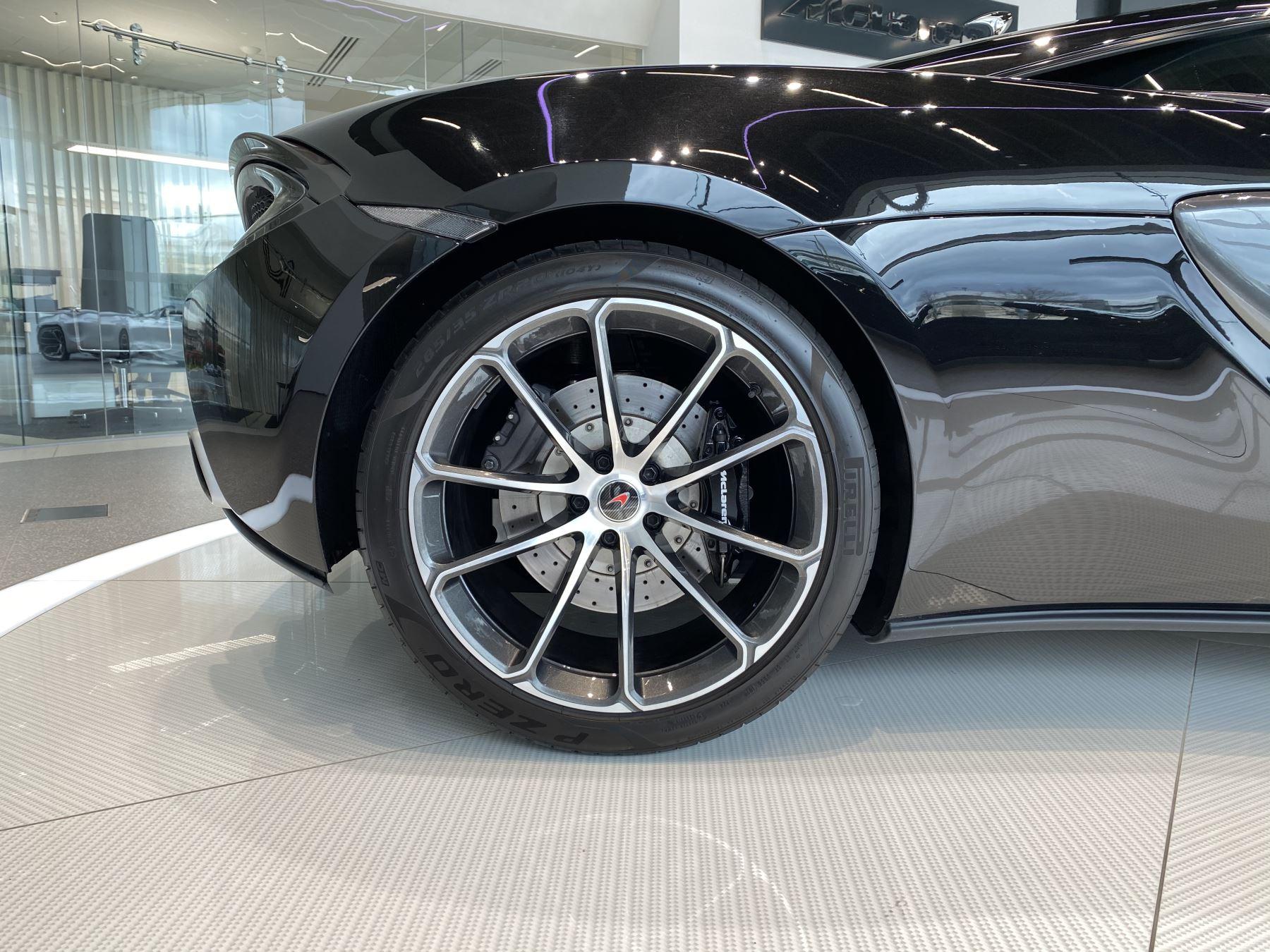 McLaren 540C V8 2dr SSG image 25