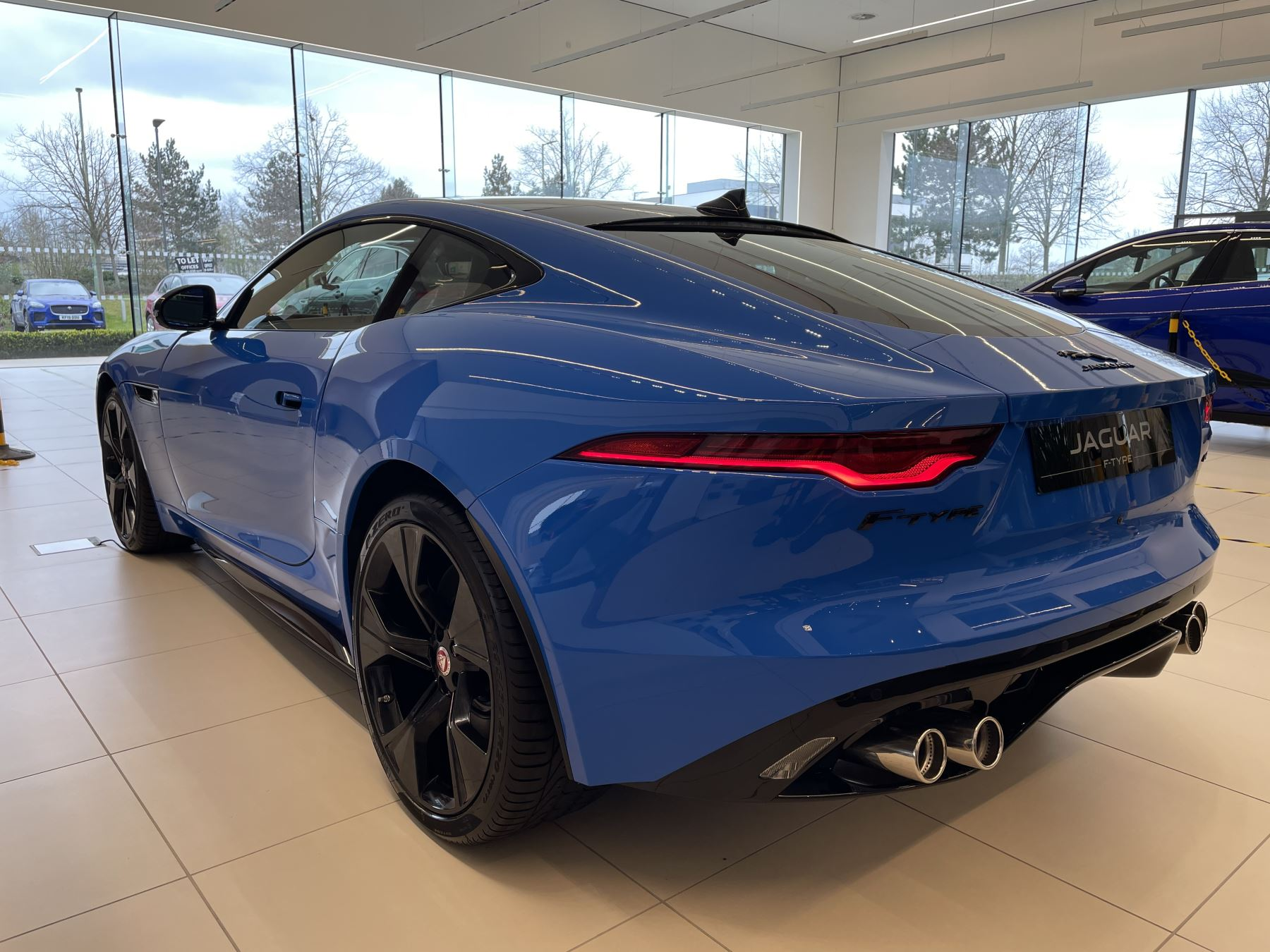 Jaguar F-TYPE 5.0 P450 Supercharged V8 Reims Edition 2dr Auto image 4