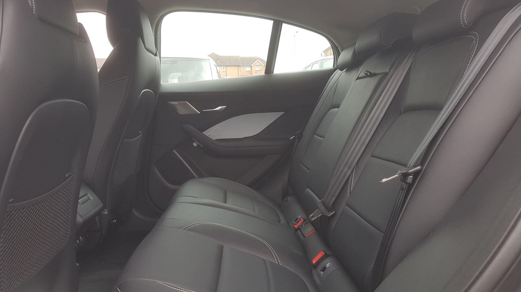 Jaguar I-PACE 294kW EV400 SE 90kWh [11kW Charger] image 6