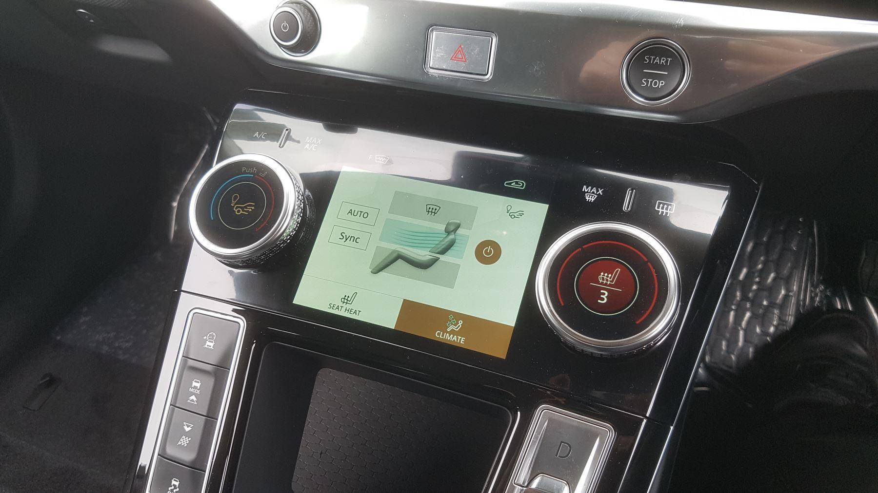 Jaguar I-PACE 294kW EV400 SE 90kWh [11kW Charger] image 14