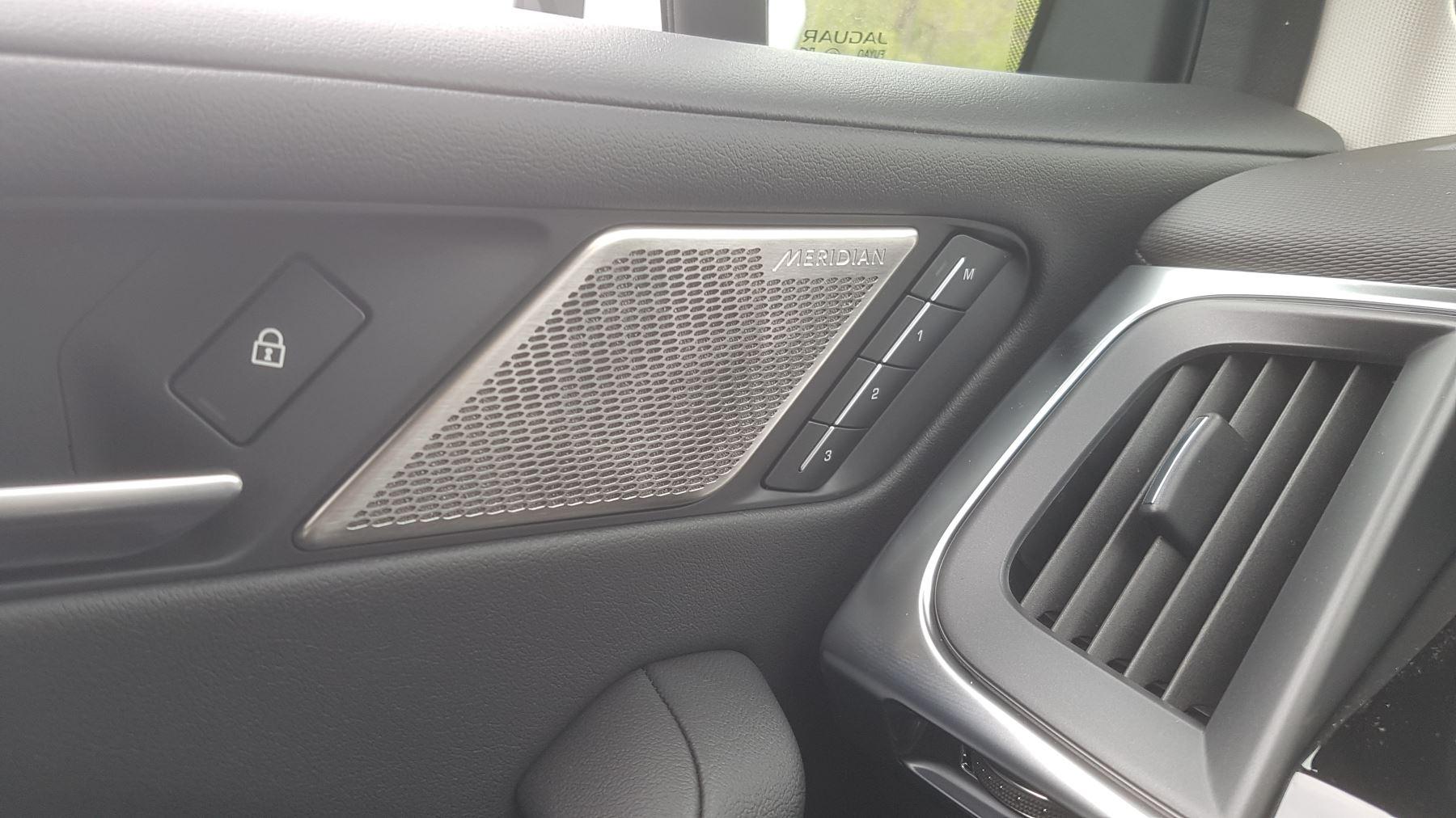Jaguar I-PACE 294kW EV400 SE 90kWh [11kW Charger] image 18