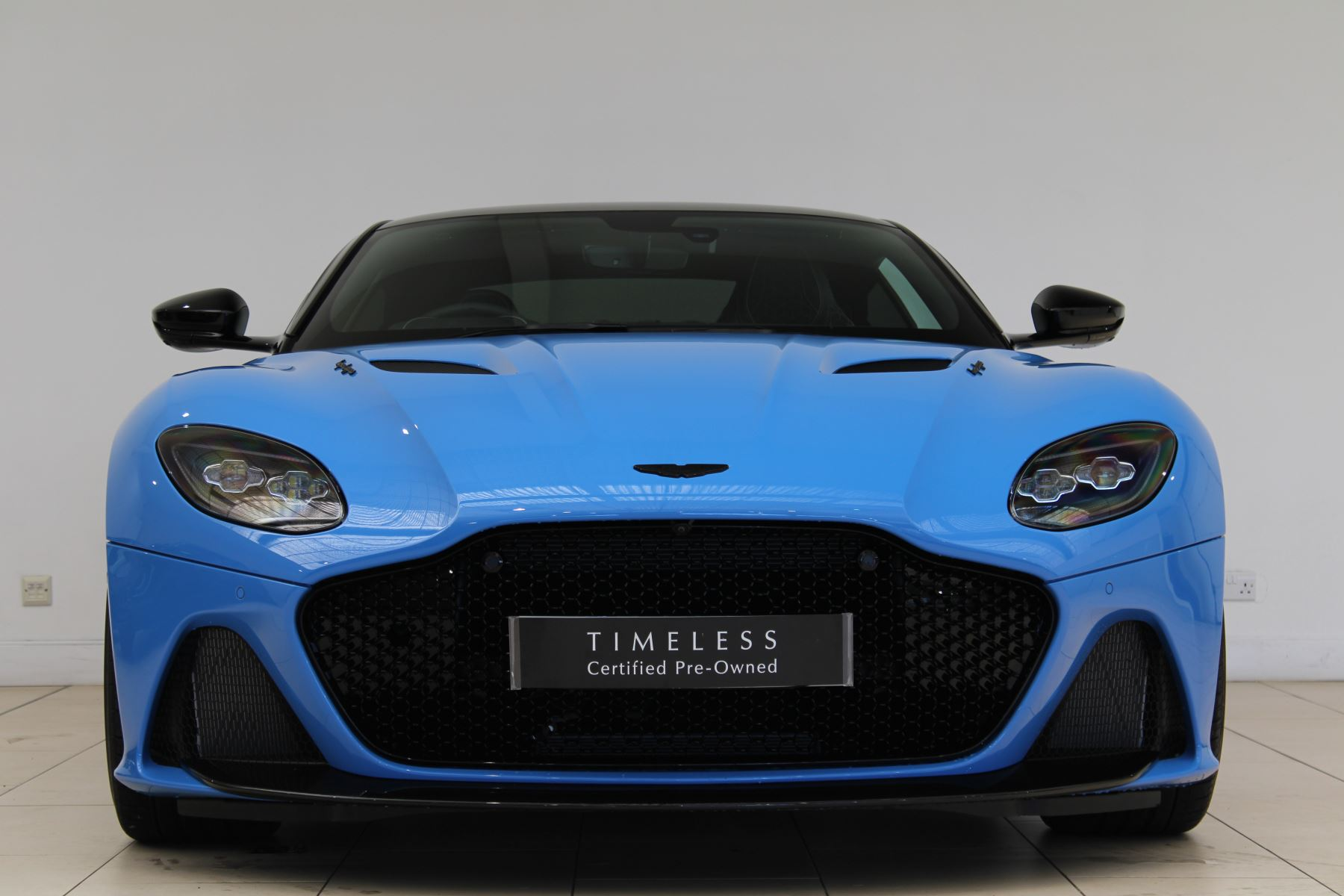 Aston Martin DBS V12 Superleggera Touchtronic Special Ceramic Blue - B&O image 3