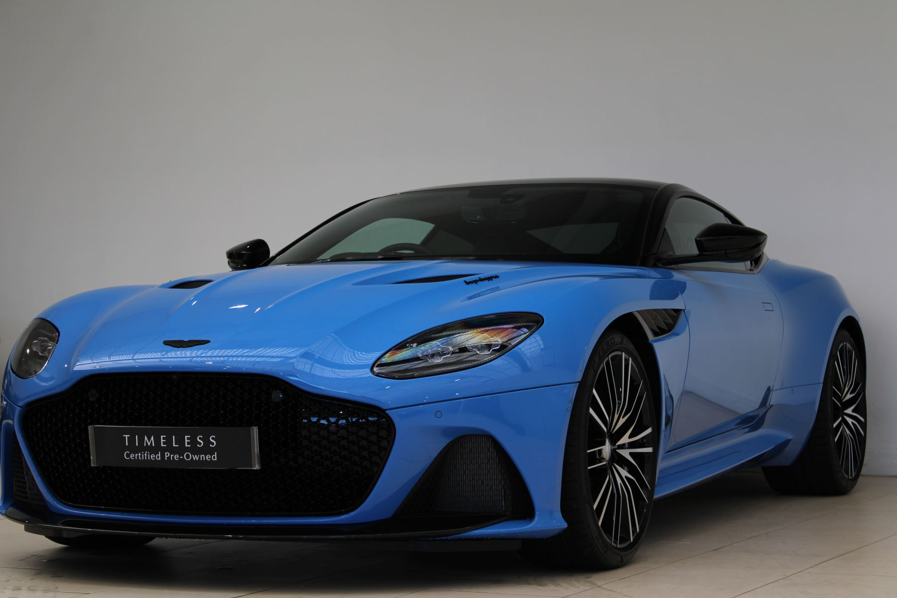 Aston Martin DBS V12 Superleggera Touchtronic Special Ceramic Blue - B&O image 2